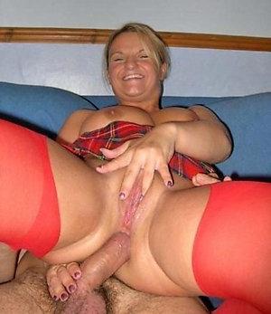 Pictures of mature amateur porn