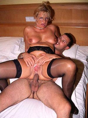 Horny mature women having amateur sex