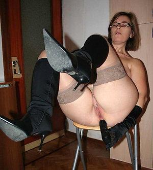 amateur pics of mature big butt amateur