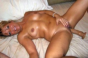 Homemade mature lady masturbating photos