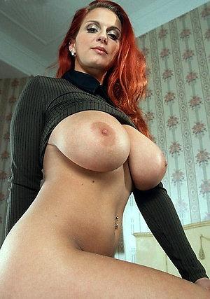 Inexperienced mature brunette milf