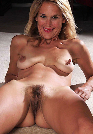 Gorgeous hot mature nipple galleries