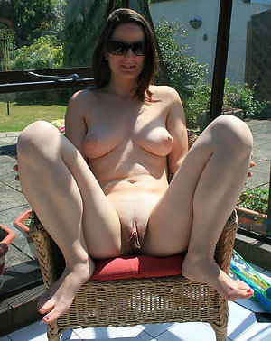 Natural busty mature on the nature