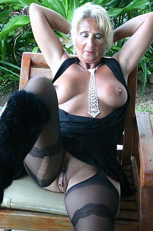 Xxx horny mature outdoor orgy gallery