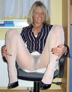 Best pics of older ladies in pantyhose