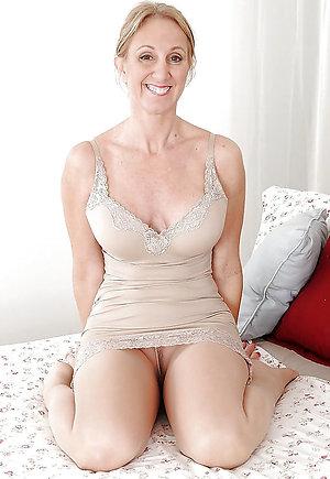 Xxx Lucy mature pantyhose sex pics