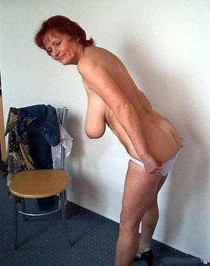 Xxx saggy tits mature amateur pics
