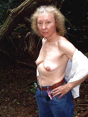 Pretty mature saggy breasts pictures