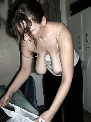 Amateur mature women with sexy saggy tits