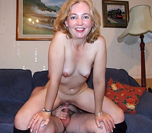 Real amateur mom sex xxx pictures