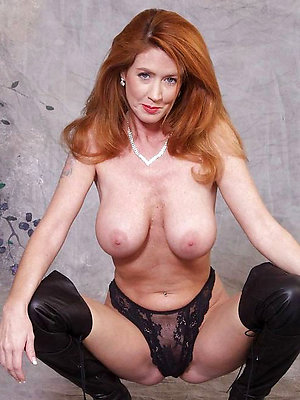 Magnificent redhead mature pussy