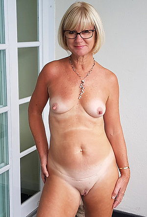 Lovelies mature shaved pussy porn pics