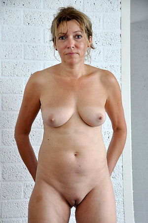 Bitchy shaved mature cunt pictures