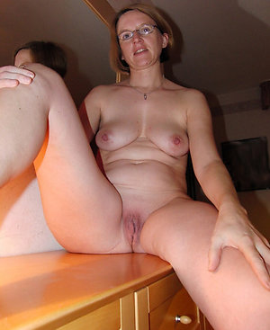 Amateur pics of women with shaved pussy