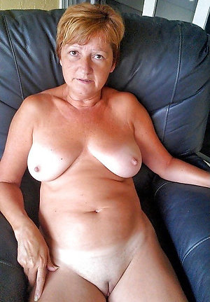 Nude mature shave pussy amateur pictures