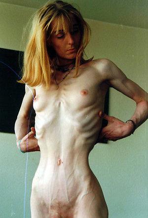 Busty skinny naked mature women pics