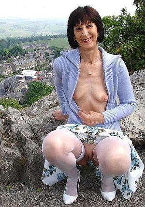 Homemade porn milf small tits pics