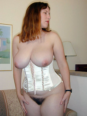 Homemade pics of old mature tits
