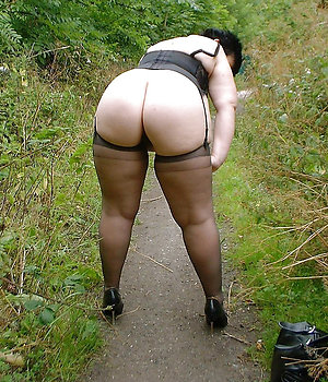 Busty milfs in stockings amateur pics
