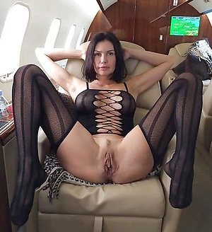 Free pics of mature women in nylon stockings