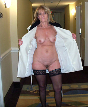 Naked mature woman in stockings xxx