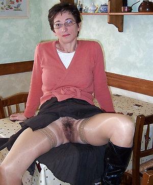 Xxx mature upskirt sex pics