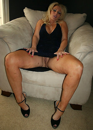 British mature upskirt porn photos
