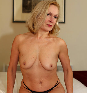 Xxx mature wife sex stripped