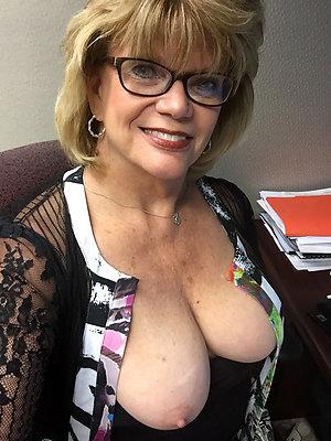 Amateur pics of hot mature wife