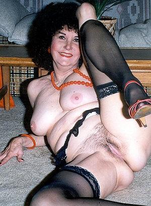 Whorish mature wife blowjobs pics