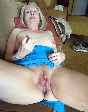 Natural big granny boobs nude pics