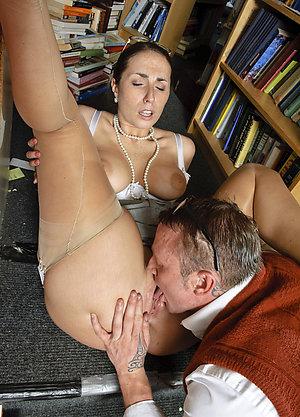 Xxx amateur pussy eating pics