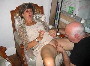 Naughty women eating pussy pics