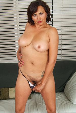 Real amateur slut wife pics