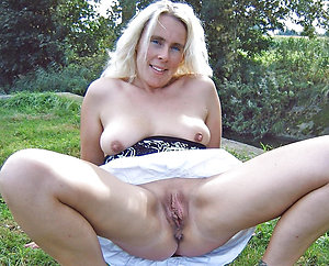 Bush-leaguer pics be useful to busty mature solo