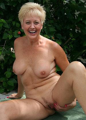 Amateur mature natural woman