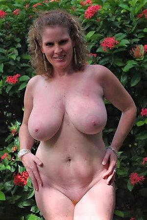 Real mature big tits gallery