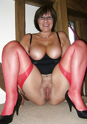 Homemde sluts in stockings