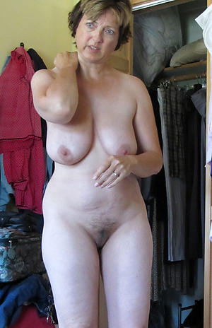 Pics of mature nude housewife