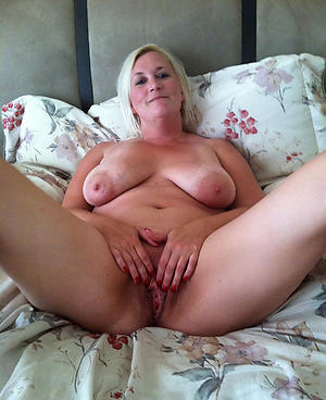 Best free mature housewife pictures