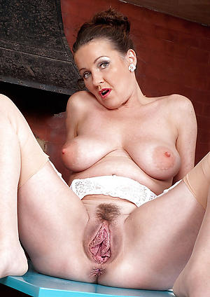 Real sexy of age cougar pussy pics