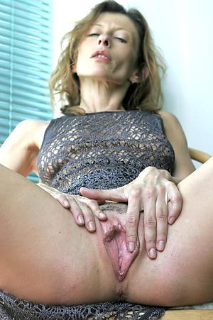 Xxx women showing pussy pics