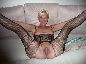 Unskilled hot old women pussy