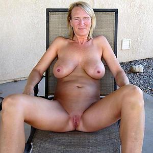 Amateur pics of women with big tits