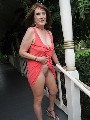 Xxx upskirt naked women