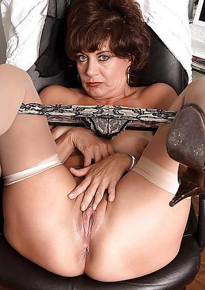 Sexy white mature xxx