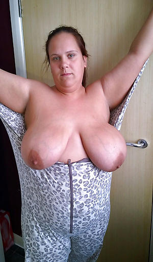 Free busty mature porn gallery