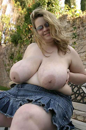 Sexy curvy busty of age amateur pictures