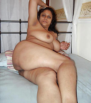 Pretty grown-up indian women nude photos