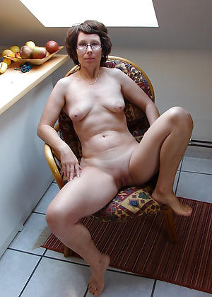 Nude grown up wives pictures